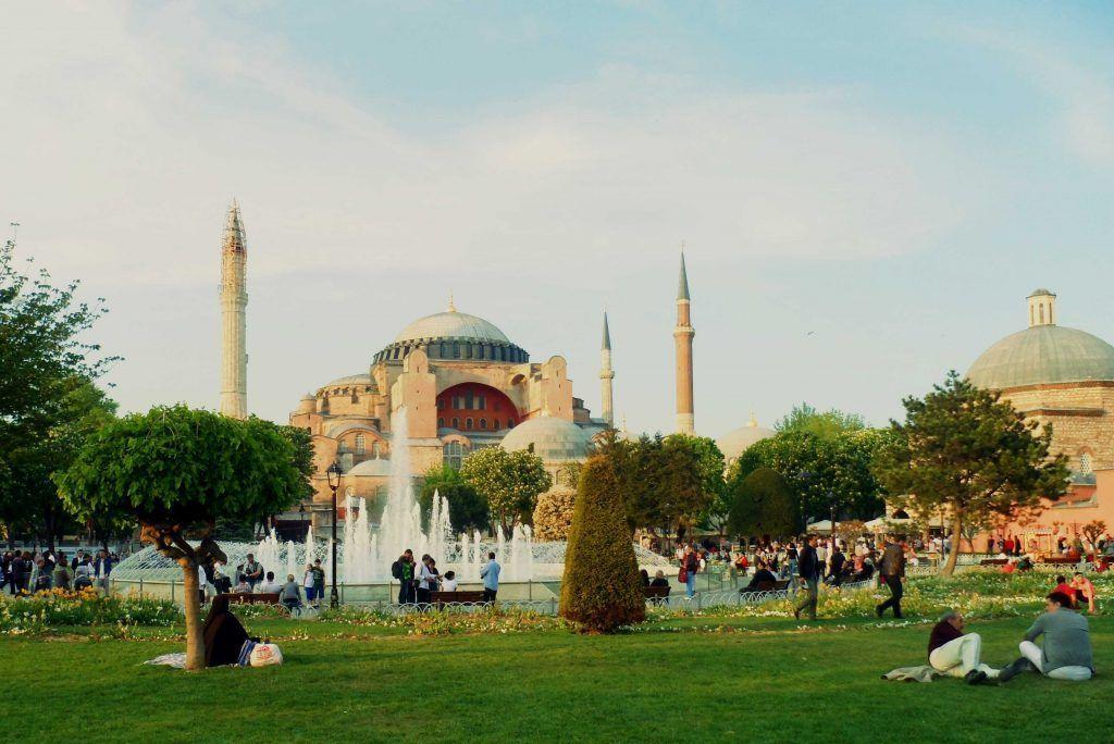 La antigua Basílica de Santa Sofía (Estambul)