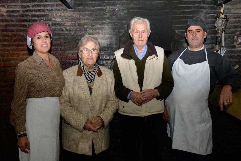 Familia de panaderos Benalauria