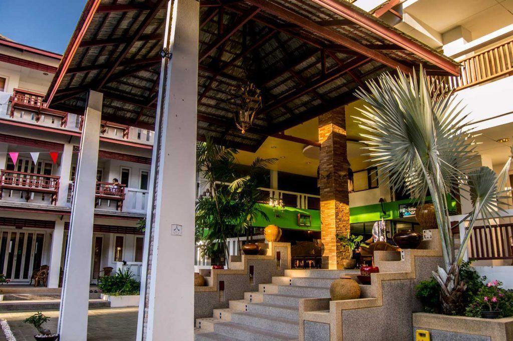 Koh Tao Montra Resort - piscina