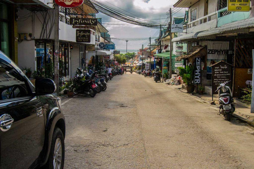 Calle principal - Koh Tao