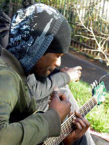Músico callejero en Montmartre