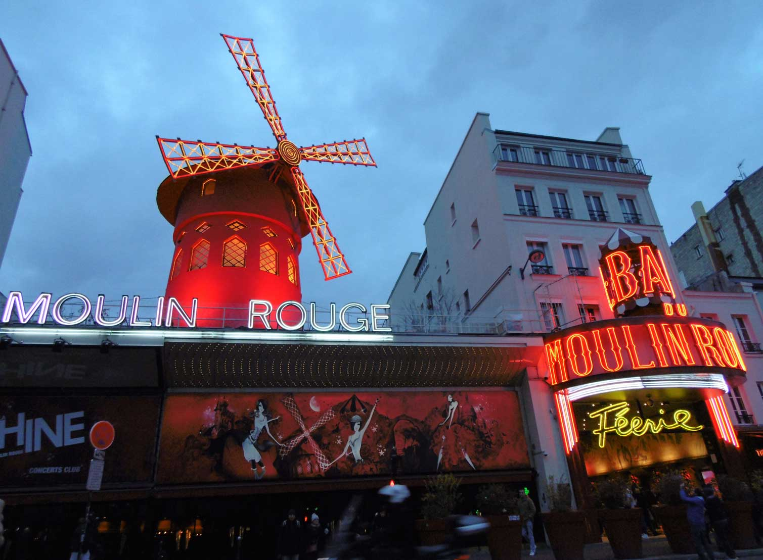 Moulin Rouge, París