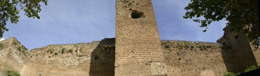 Castillo de medina Bagu (Priego), perteneciente al Conde de Cabra desde su conquista en el s. XIII