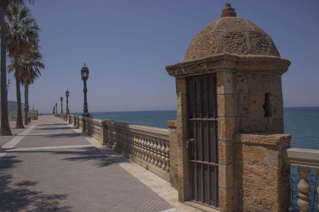 Paseo de Santa Bárbara de Cádiz