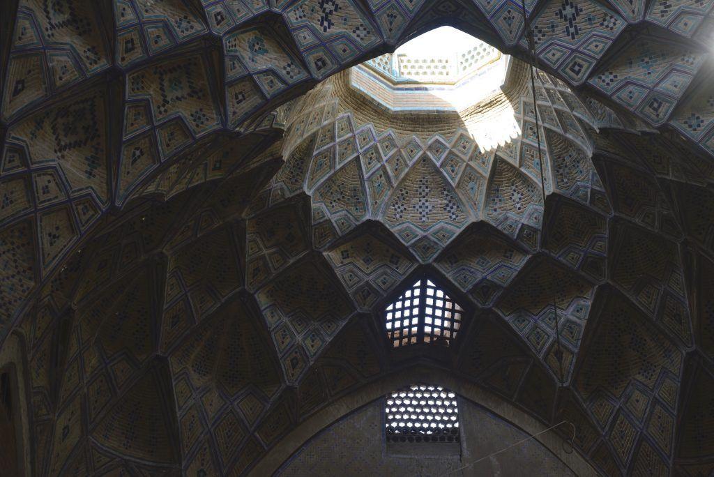 Bóveda de plaza en bazar de Kashan