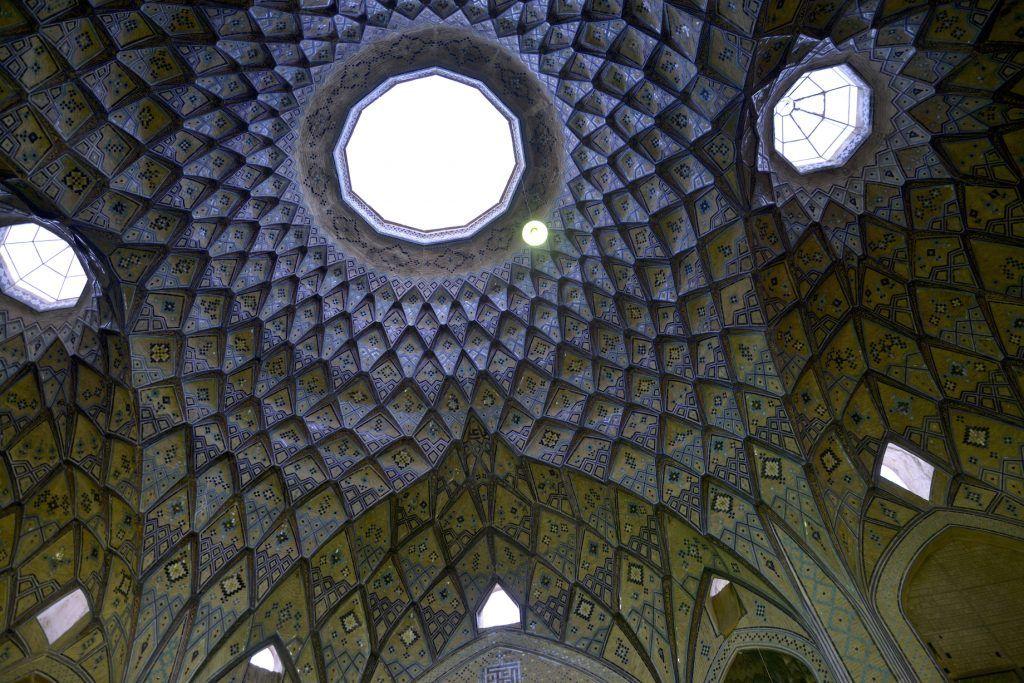 Bóveda en bazar de Kashan. Irán