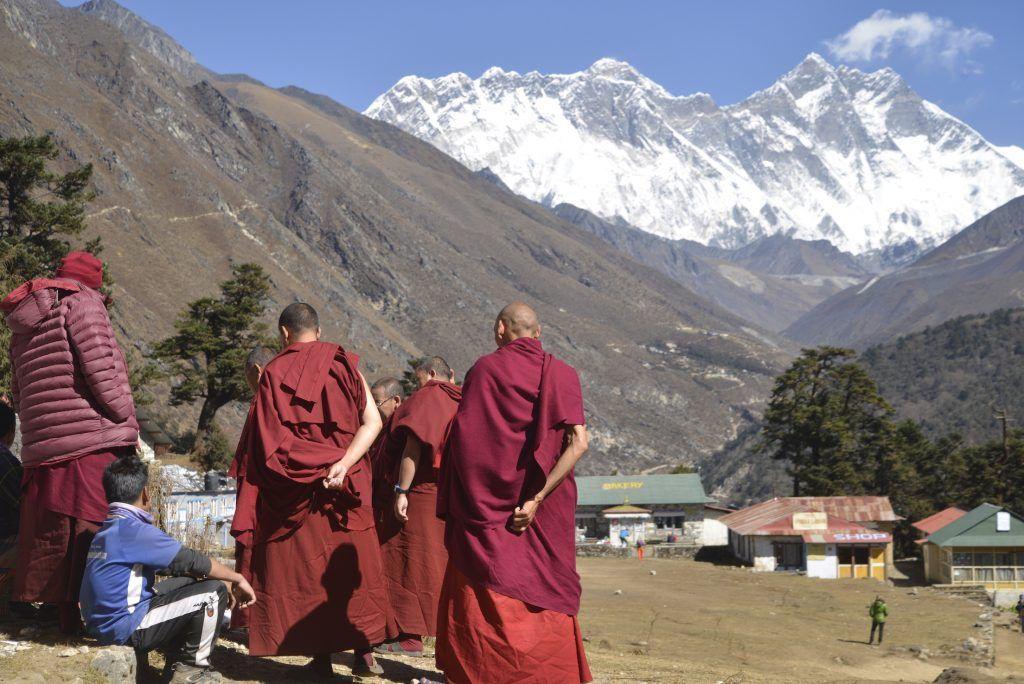 Monjes en Tyangboche. Nepal