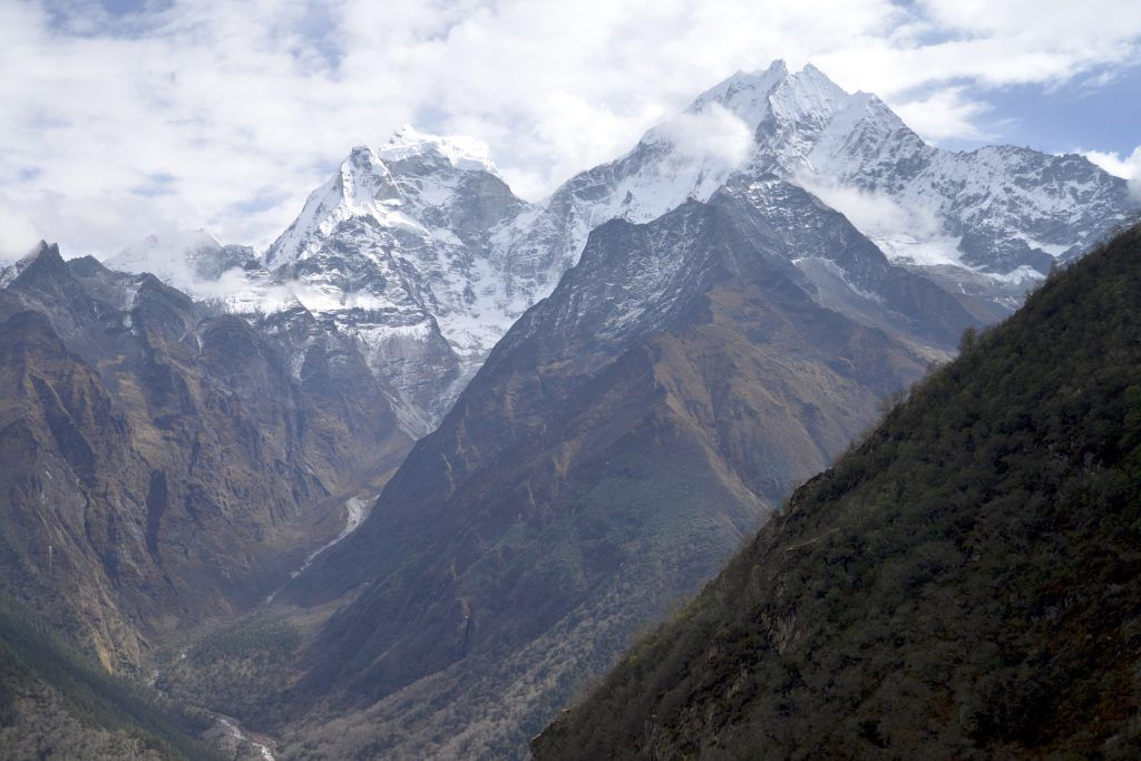 Thamserku y Kangtega. Parque nacional Sagarmatha. Nepal